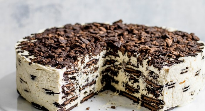 Oreo Irish Cream Fridge Cake